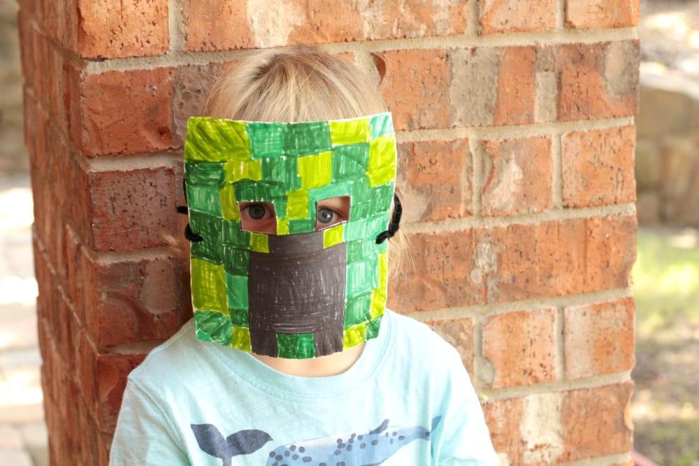 How to Fold a Simple Minecraft Creeper « Minecraft :: WonderHowTo | 667x1000